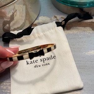 EUC Kate Spade Take a Bow Bangle Black & White